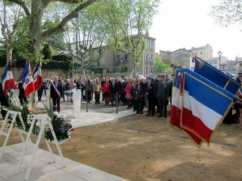 8 mai 2016 : Participation à la cérémonie officielle à Caluire – Place Gouailhardou